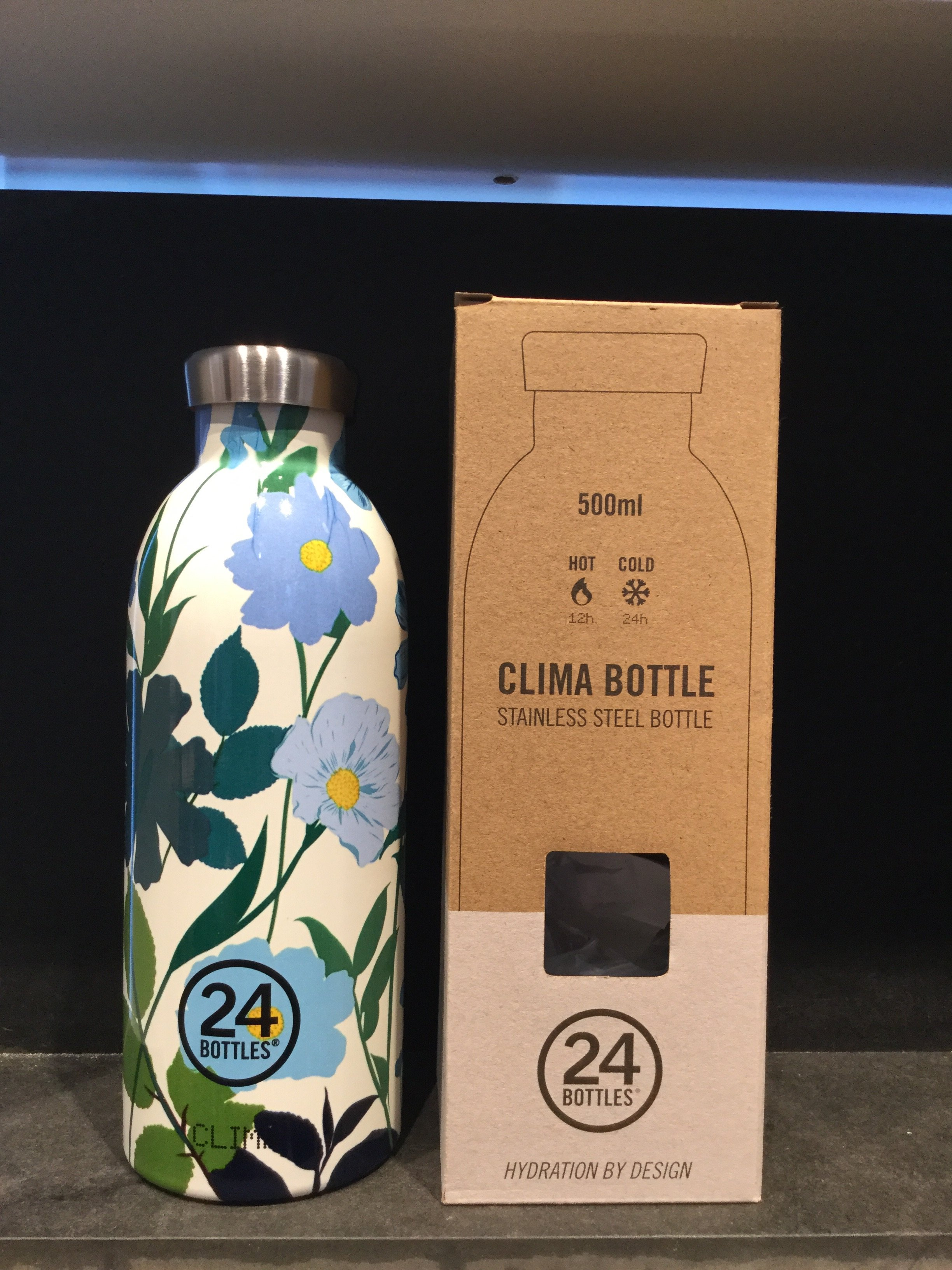 24 bottles 500 ml. Blue flower